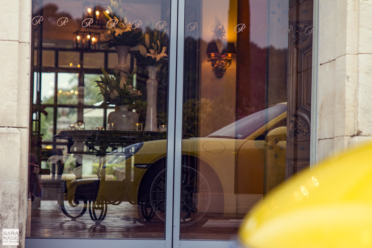 Porsche-reflections