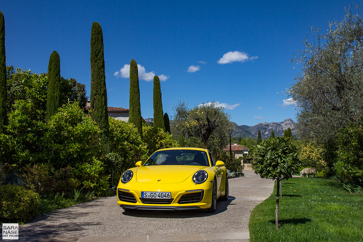 Yellow-Porsche-Le-Mas-de-Pierre
