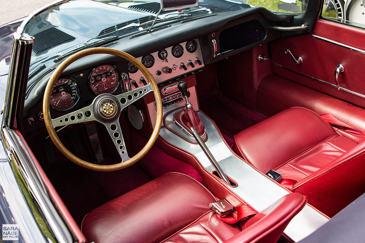 Jaguar-E-Type-red-interior
