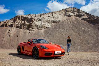 Lava-orange-Porsche-718-Boxster