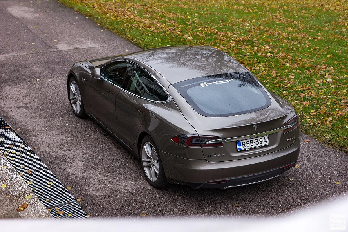 tesla model s p85d shareit car sharing finland. Black Bedroom Furniture Sets. Home Design Ideas