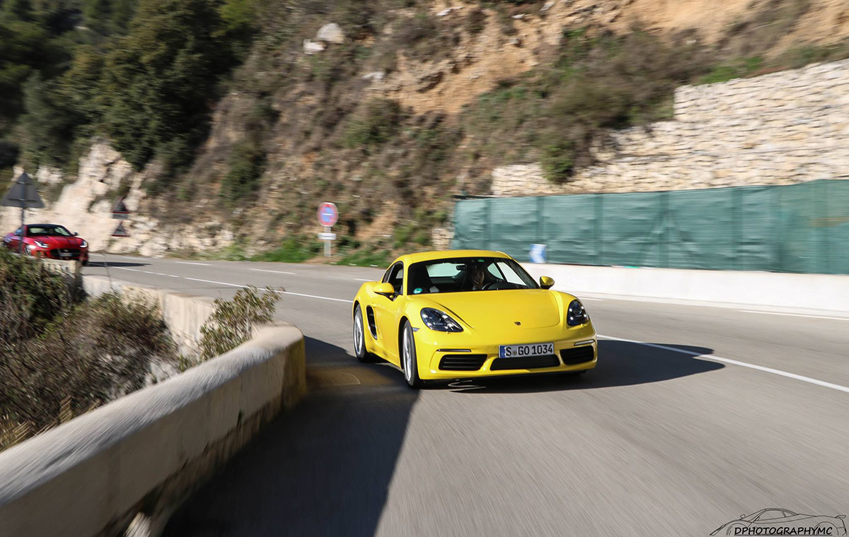Porsche 718 Cayman - Racing yellow
