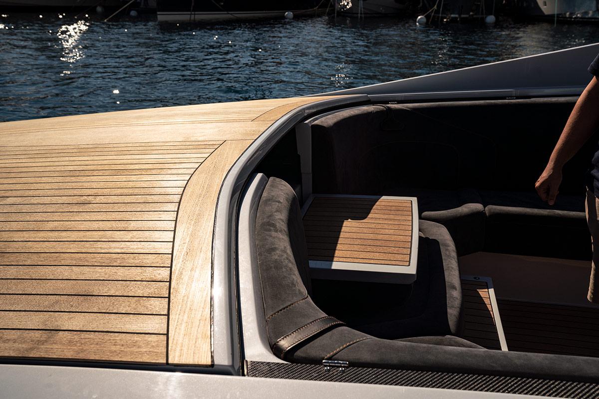 Monaco Yacht Show 2018 - Aston Martin AM37
