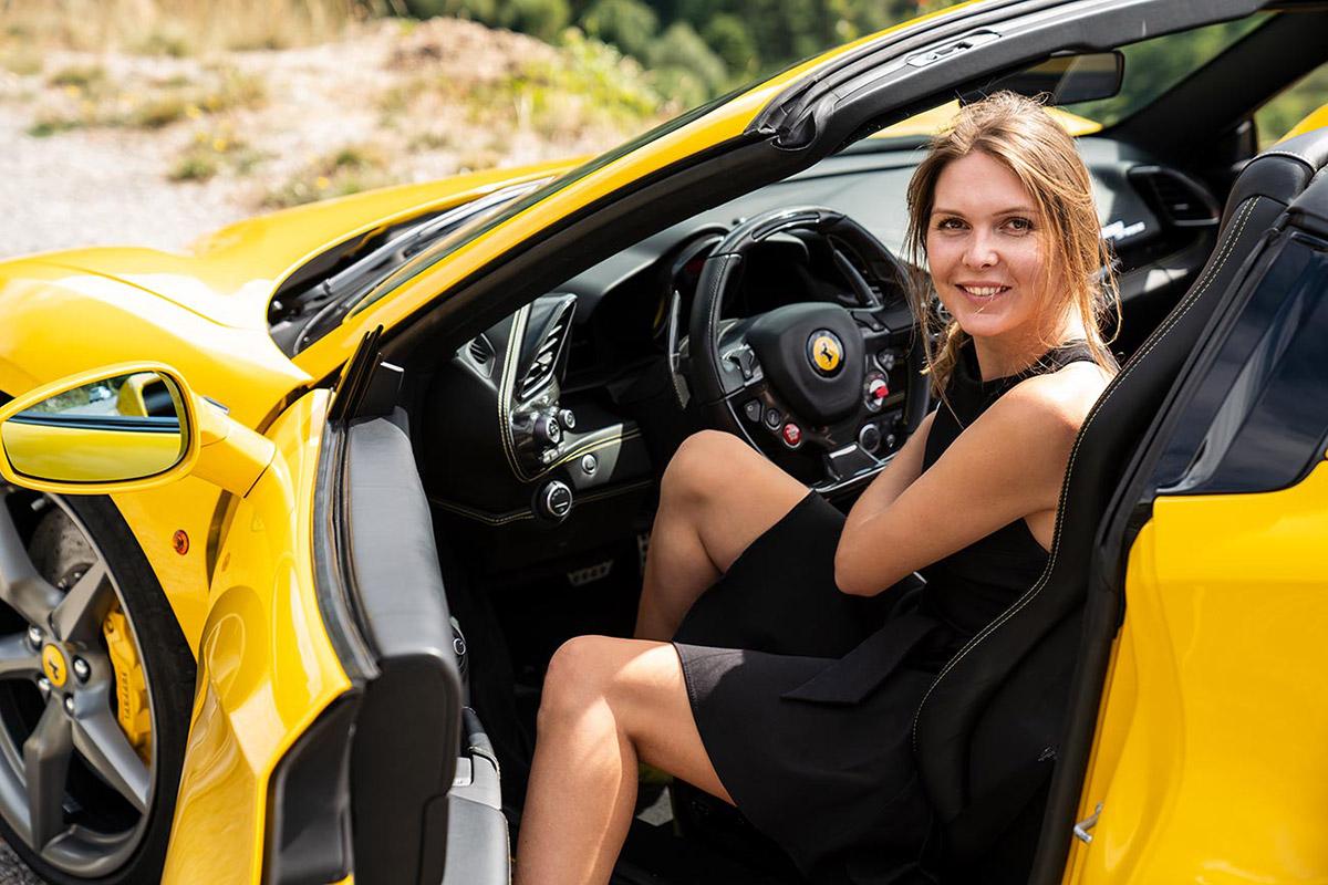 Ferrari 488 Spider - Sara Norris - getpalmd