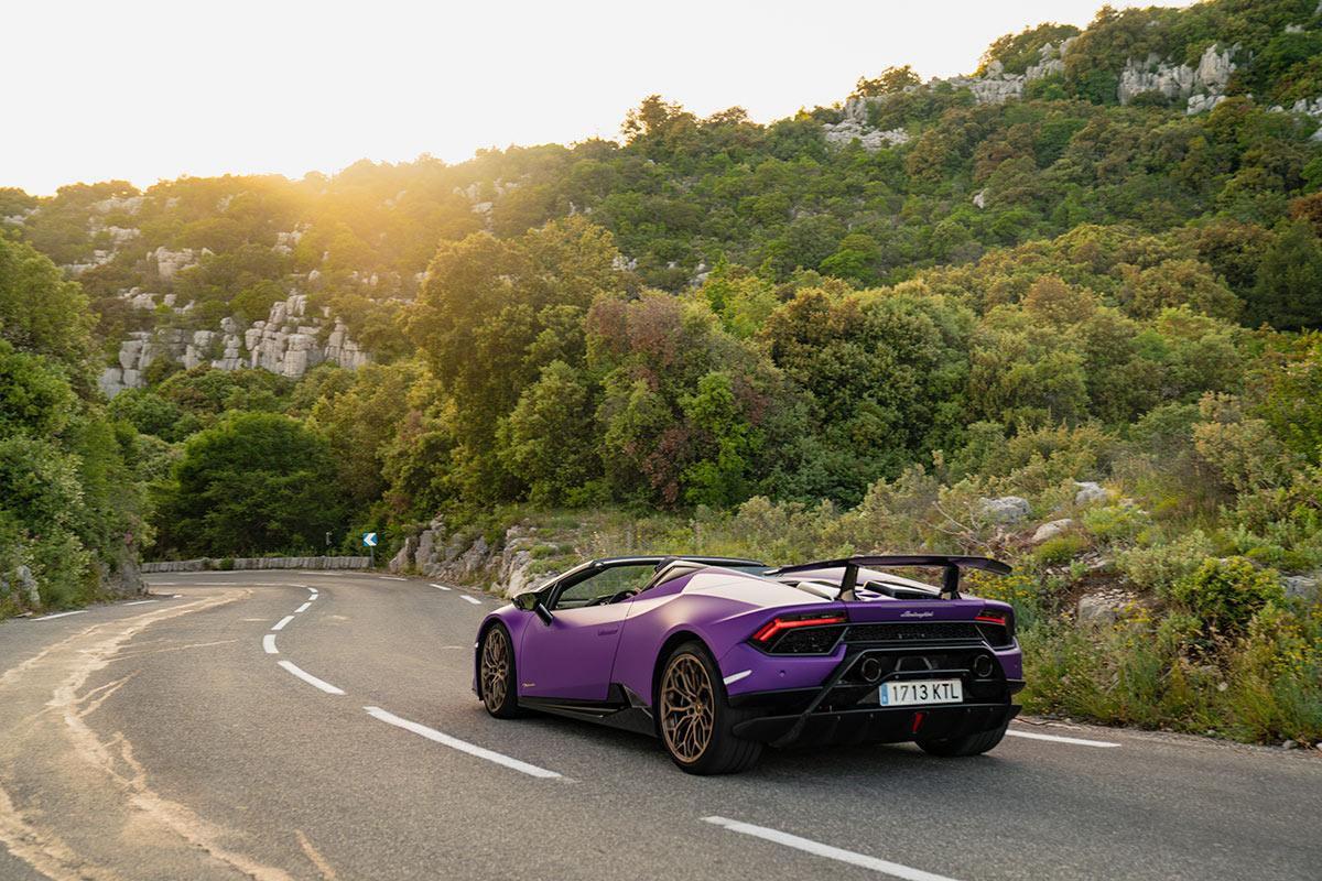 Lamborghini Huracan Performante Spyder - road trip