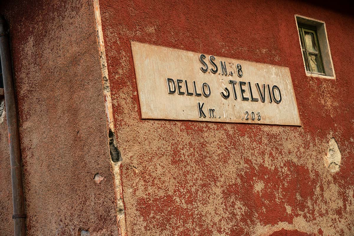 Stelvio Pass - Road sign