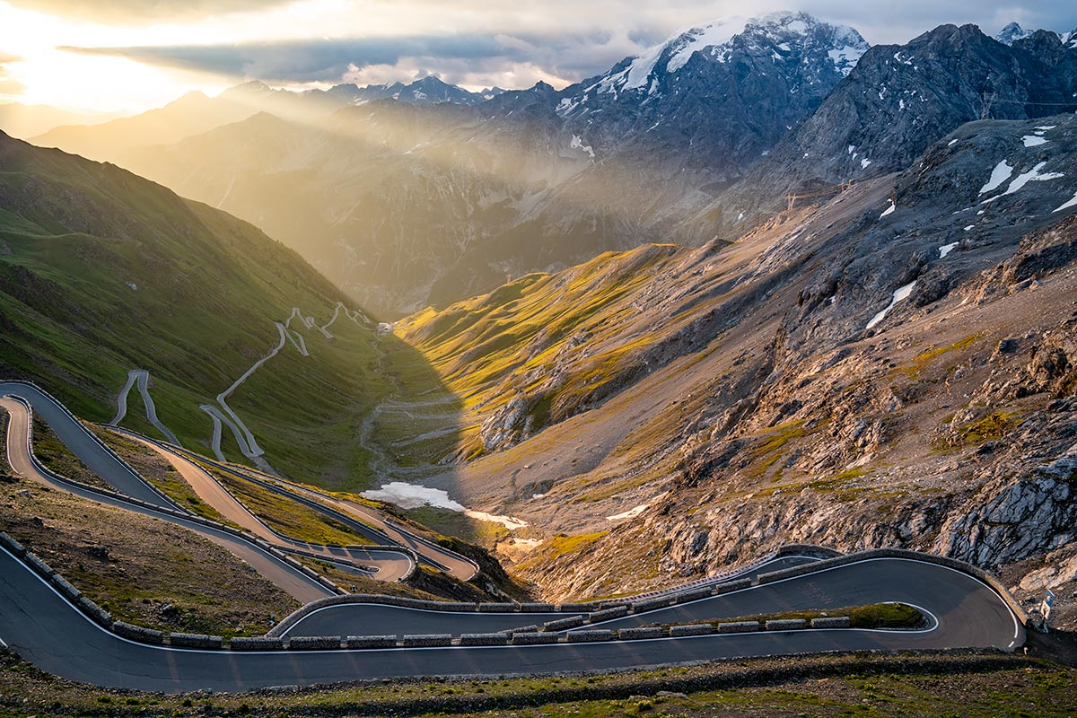 Stelvio Pass - sunrise drive