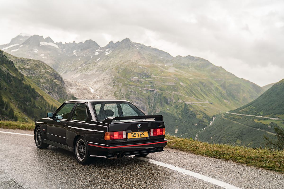 Black BMW E30 M3